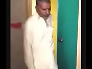 pakistani aunty fucked by twosome old supplicant